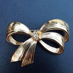 Vintage Avon Fashion Bow Brooch